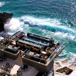Neutron - At the beach bar (of my mind)