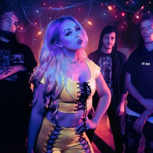 Interview with Skye Sweetnam from Sumo Cyco on the Friday NI Rocks Show 9th April 2021