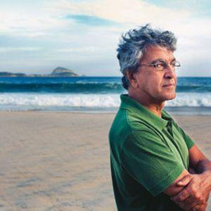 Meio Tom #24 - Caetano Veloso on the beach