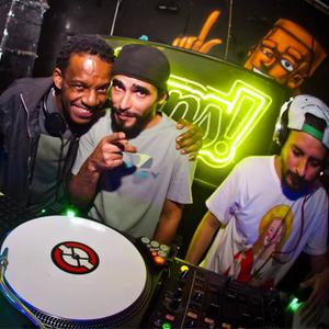 Baré e MouChoque part. DJ Fú - CL∆PS convida Ubunto + Pan-Ela (10-06-16 - La Paz)