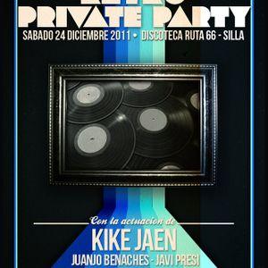 Raszia @ Retro Private Party by HC (24-12-2011)