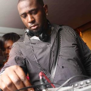 DJ BROWNIN'S NEW RNB MIX WITH A TOUCH OF BASHMENT