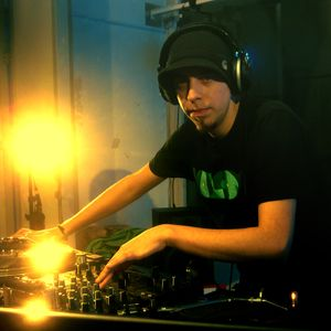 madhou5e - Unics - livemix - 07.12.2012