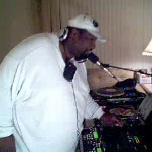 Dj Thomas Trickmaster E...Underground/Soulful House Grooves pt 3...Live Session Mix.