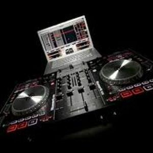 Dj Qu3s....In the mix