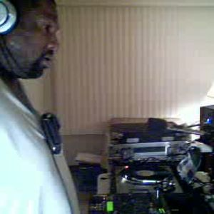 Dj Thomas Trickmaster E..Old School Records Back n The Mix!! In The T Zone...Live Mix Session.