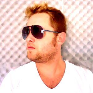 GIU MONTIJO - DJ SET - TECH HOUSE & TECHNO - DEZ. 2012 - CLUB A - SAO PAULO - BRAZIL