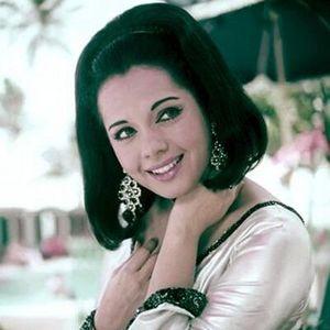 Mumtaz - Yeh hai Reshmi Zulfon ka Andhera - Radio Show archive 1550 AM
