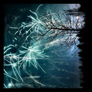 Chris Keladis - Delux Sessions 077 - New Year Mix 2013
