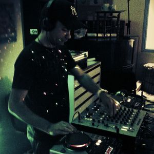 Emission PureTechno mixée par Fabrice.V 22.06.2012 - House to Techouse...To Dark Techno