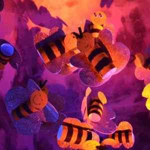 Horst Blau und Nova Silva machen Honig