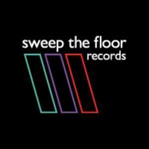 SWEEP THE FLOORCAST 006 - K Klass