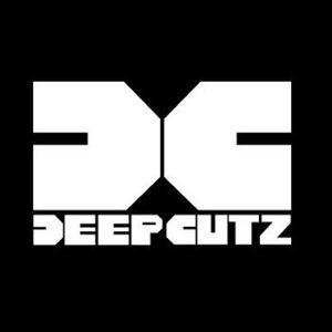 Deep Cutz Radio ft Shapez live on www.jungletrain.net Feb-15-2012