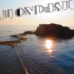 Blond:ish - Live at Au Bar Corfu Greece July 8, 2011 - Part II