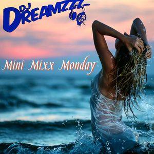Mini Mixx Monday 001