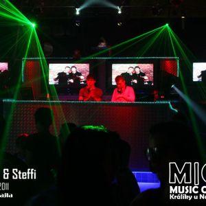 Vostix_&_Steffi_Primavera_house_set_2011
