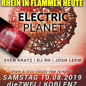 Ecectric Planet in Flammen