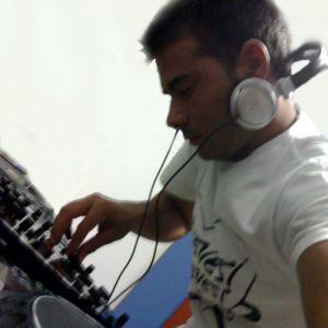 cd spinning (mixed by djtony)