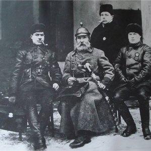 התגבשות הצבא האדום