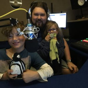 The Fin & Izzy Show on KMF Radio. Show 4 (13/08/2016)