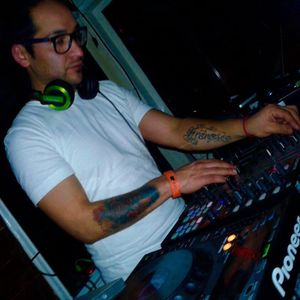 Juan B - Mixtape Julio 016
