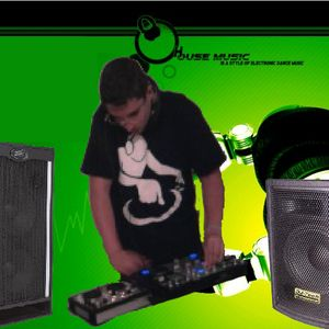compile progressive House mixed By Dj Darwa