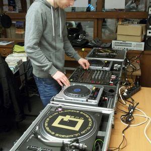DJ San & Deejay Krüge® live @ Lesz Rádió 2011.03.31. (Komoly Mix 39. adás) part. 1.