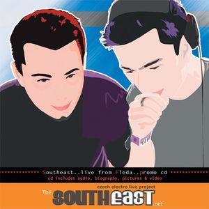 Southeast aka Paul Hubiss & Jergen - Live at club Fleda (CZ) (23.12.2004)