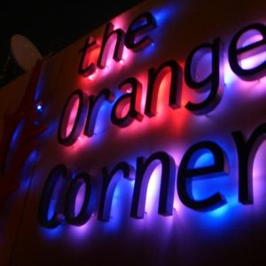 Verano 2012 Orange Corner House Mix