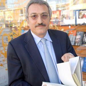 عباس میلانی، دموکراسی و تئوکراسی
