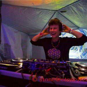Lorraine(Psilocybe Tribe.Sunrise)2011 04 Ticketyboo fullon Psy mix
