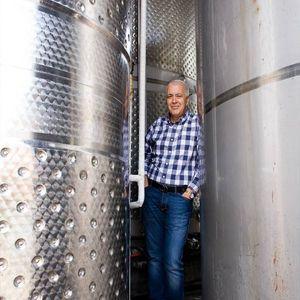O Νίκος Χαρλαύτης στις Winelovers