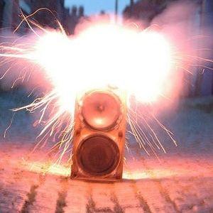 DJ Guinness Luvstuss aka DJ Carcass - SkripKolesa 2011
