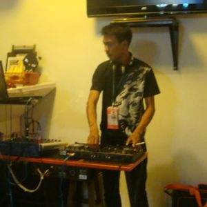 DJ-/M/I/C/K/A /set 5