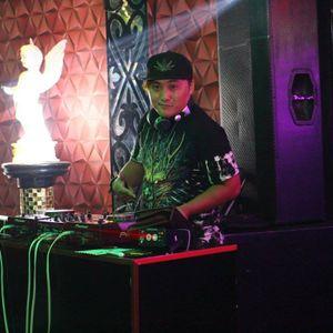 Nonstop - EDM Đẳng Cấp Hoàng Gia - DJ Mon Remix