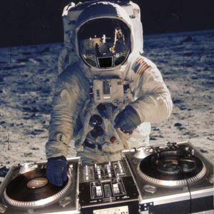 2011 - Mix For Vibalicious 5 - Moon Boogie