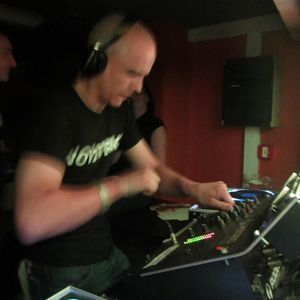 Noizefact presents : Pitched Main vs Oldskool Terror