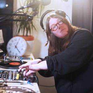 Synth Day 2019: Emma-Jean Thackray with Elliot Galvin, Danalogue and others // 23-05-19