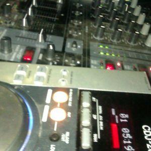 Fresh.Mix.February.17.2013.(DJ.CoRn3L.Comercial Set)
