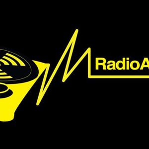 ESCAPISM (LAST NIGHTS IMPROMPTU RADIOACTIVE SHOW) 20/2/2013