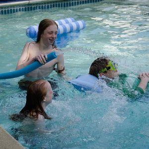 Nodarbības ūdenī palīdz atslogot muguru