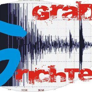 Radio Faro entrevista a 5 Grados Richter, el día 4 de Agosto 2012, en el 1er concierto de verano!!