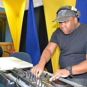 Esquenta Da Jovem Pan-Santos 95.1 Fm  House & Electro Set mixado (Paulino Machado Dj)