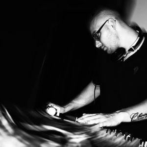 Question Radio Show - Dj Mehdi & Don Hobliňon + DJ CHOCOLATIC 21.9.2012