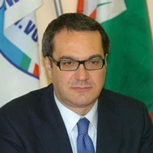 Nomi, temi e poi le coalizioni, queste (in ordine) le priorità per vincere secondo Forza Italia