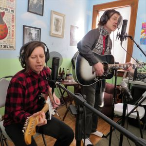 Sunday Ramble Y4-1:Season Premiere Cliff Westfall and Barbara Endes of Girls On Grass Live in Studio