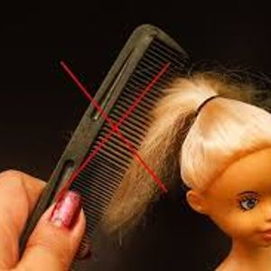 I dont comb the dolls