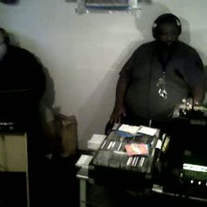Dj's AzReal1 & Thomas Trickmaster E..Play'n 2 For 2 Songs Jamming The Web pt2  Dj T Rock C's Music..