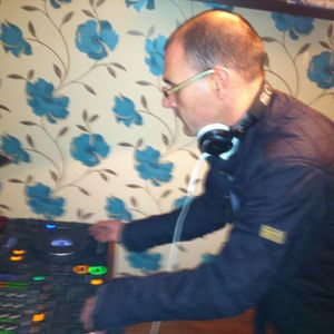 2 Hours of House by Tony Curlett