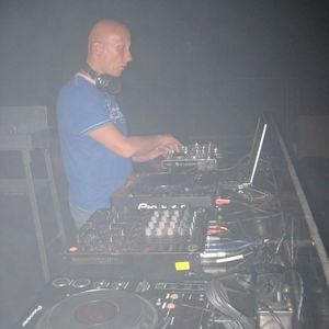 This set I played on 16-2-2013 on splashfm from 2100 till 2200 hour.